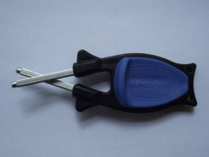 Black handle with Blue grip